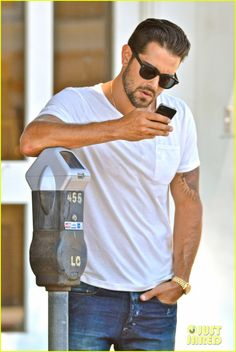Jesse Metcalfe Motors on Labor Day Before Katy Perry's Party! | jesse metcalfe motors on labor day after house party 17 - Photo