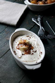 Banana Foster No Bake Cheesecake from @Kate Petrovska   Diethood