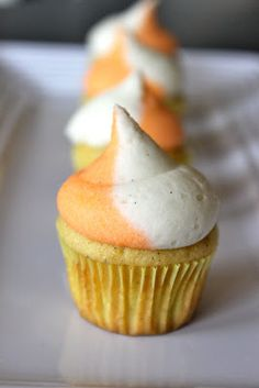 Creamsicle Cupcakes. Please don't repin on Food-e-licious.