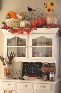 fall-decor-hutch1.jpg 425×640 pixels