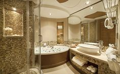 Luxurious bathroom t