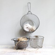 vintag wire, vintage, wire baskets, basket set