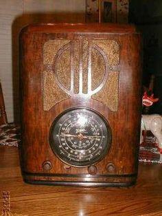 Zenith 1938 6S229 Tombstone Radio