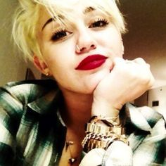 not everyone likes Miley Cyrus's hair cut but i love it! takes guts to chop it all off!
