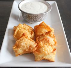 Buffalo Chicken Wontons | Yes to Yolks #tailgating