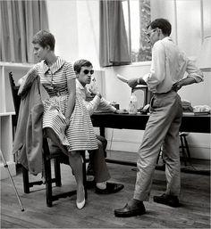 Jean Seberg, Jean-Paul Belmondo, et Jean-Luc Godard sur le plateau de À bout de souffle (1960). #godard #film