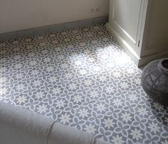 »Cement tile model AZUL« von Replicata - ornament FLOWER POINT - Replikate
