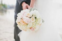 Soft peach and pink bridal bouquet.