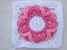 Ravelry: 16 Petals pattern by Jenn Santa