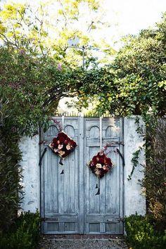 Wreathed gates