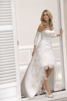 Korte trouwjurk - stijlvol en hippe bruidsjurken   De Bruidshoek