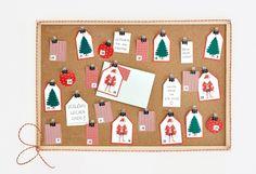 Épinglez, attachez ou suspendez nos étiquettes JULMYS afin de créer un calendrier de l'Avent unique en son genre, ou simplement pour écrire des vœux de Noël.