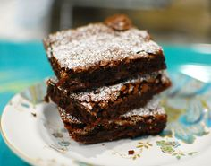 Mika's Chewy and Fudgy Nutella Brownies - better than 2 ingredient nutella brownies!