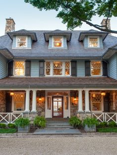 Mead Point shingle-style, CT. Douglas VanderHorn Architects. Significant Homes.