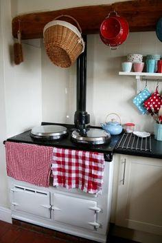 Constance's kitchen 03 #red #aqua # turquoise #kitchen