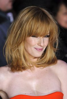Kelly Reilly Medium Straight Cut with Bangs - Shoulder Length Hairstyles Lookbook - StyleBistro