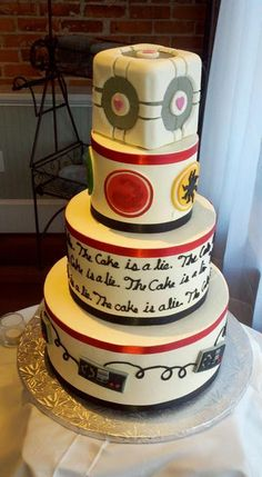 I30 Gamer Wedding Cakes (such as this one from #Portal)