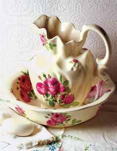 ROSES PITCHER & BOWL.