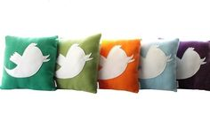 hehe twitter pillows + other geeky home goodness.