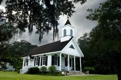 I love White Churches! This one is in Edisto, South Carolina