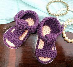 Unisex Baby Booties Free Crochet Pattern : zapatitos de bebe on Pinterest Baby Booties, Crochet ...