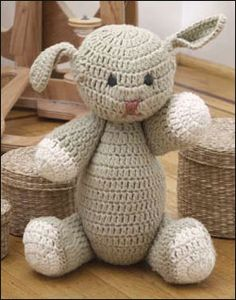Everyone loves crocheting some adorable Amigurumi! Get started with this amigurumi tutorial