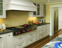stove, tile design, pattern, traditional kitchens, kitchen backsplash, bathroom designs, subway tiles, hood, kitchen designs