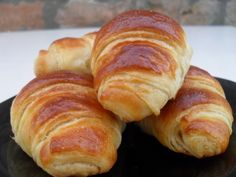 Homemade French Croissants ~ ibaketoday.com - So crusty outside and soft and leafy inside :-) Try it out yourself!