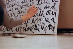 DIY: Big Script Art tutorial (step by step with explanations on how to get your handwritten text perfectly done)
