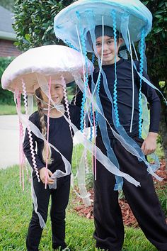 Jellyfish.. what an adorable costume idea. My kids will have no choice. :)