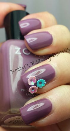 Betty's Beauty Bombs: The I'm Totally Ready for Spring Mani #nails #nailart #manicure #spring