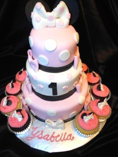 3 Tier Minnie Mouse Cake with 1doz minnie mouse cupcakes