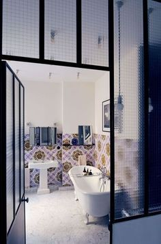 love this bathroom interior