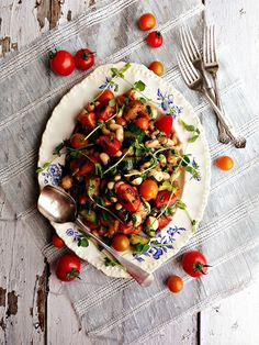 Tomato Basil Salad With White Beans