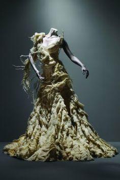 """""""Alexander McQueen: Savage Beauty"""""""