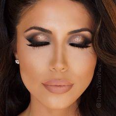 mac lipstick and lip liner, lipstick for brunettes, smokey eye