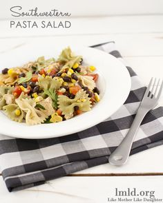 This amazing southwestern pasta salad is simple and so delicious. The perfect main dish or side dish for a picnic or potluck! #lmldfood