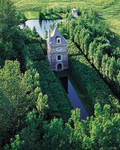 Interesting garden follies so romantic on pinterest for Le jardin des 4 vents