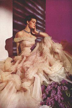 DuBarry beauty, 1939