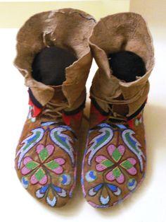 ojibway beadwork | Daily Kos: Indians 101: Plateau Bead Work (Photo Diary)