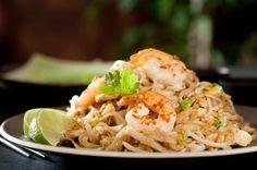 Shrimp Pad Thai: 211 calories, 20 g protein! | via @SparkPeople #recipe