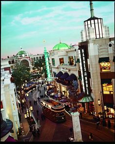 Shop at The Grove, Los Angeles