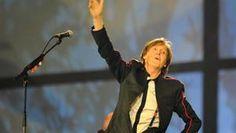 Hey Jude rings out at Velodrome  Impromptu tribute after crowd spots Macca in stand... Naaaaaaa naaaa naaaa nanananaaaaaaa...