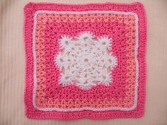 Woollys Snowflake Square pattern by Letitia Sherriff ~ free pattern