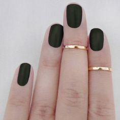matte nails, midi rings, knuckle rings, black nails, gold rings, matte black, black gold, chic nails, green nails
