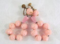 Vintage Rose Bead Plastic Dangle Earrings #vintageearrings #earrings #pink #vintagejewelry