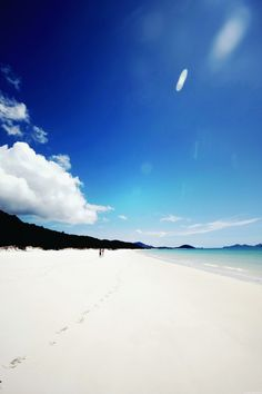 One of the most beautiful beaches in the world with the whitest sand - Whitehaven Beach, Whitsundays Australia