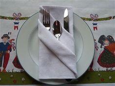 art de la table pliage de serviette on pinterest napkins napkin folding and napkin rings. Black Bedroom Furniture Sets. Home Design Ideas