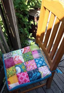 Comfort Meets Quilting Chair Cushions - amazing DIY you'll want to make for your home dec!