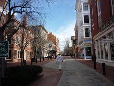 Essex St. Pedestrian Mall, #Salem MA. http://visitingnewengland.com/blog-photo-tour/2012/12/20/photo-of-essex-street-pedestrian-mall-salem-mass/